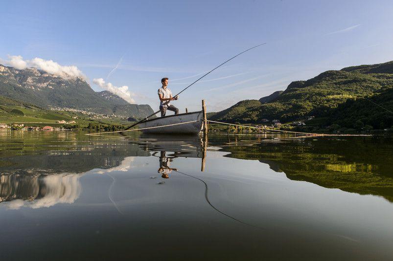 Kalterer-See--Angler-Quelle-Helmuth-Rier