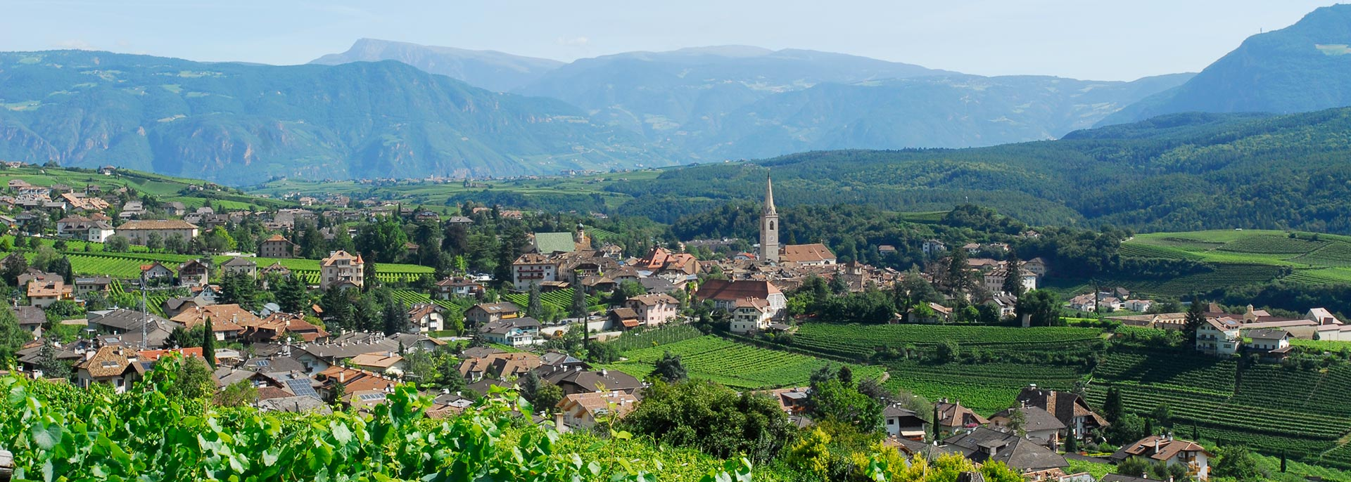 Panorama Kaltern an der Weinstrasse Südtirol - Ihr Hotel in Kaltern am See