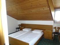Doppelzimmer mit Bergblick im Stammhaus der Pension