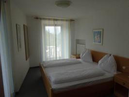 Beispielbild: Doppelzimmer mit Seeblick im Stammhaus der Pension