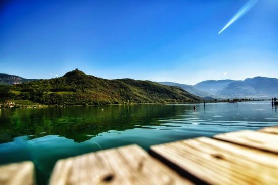 Kalterer See mit Blick auf die Leuchtenburg